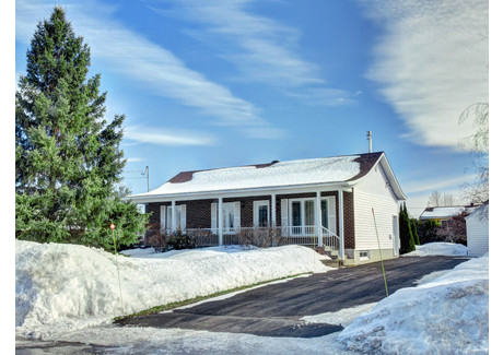 Dom na sprzedaż - 1245 Rue des Rosiers, Farnham, QC J2N1X7, CA Farnham, Kanada, 95 m², 229 900 CAD (657 514 PLN), NET-57701177